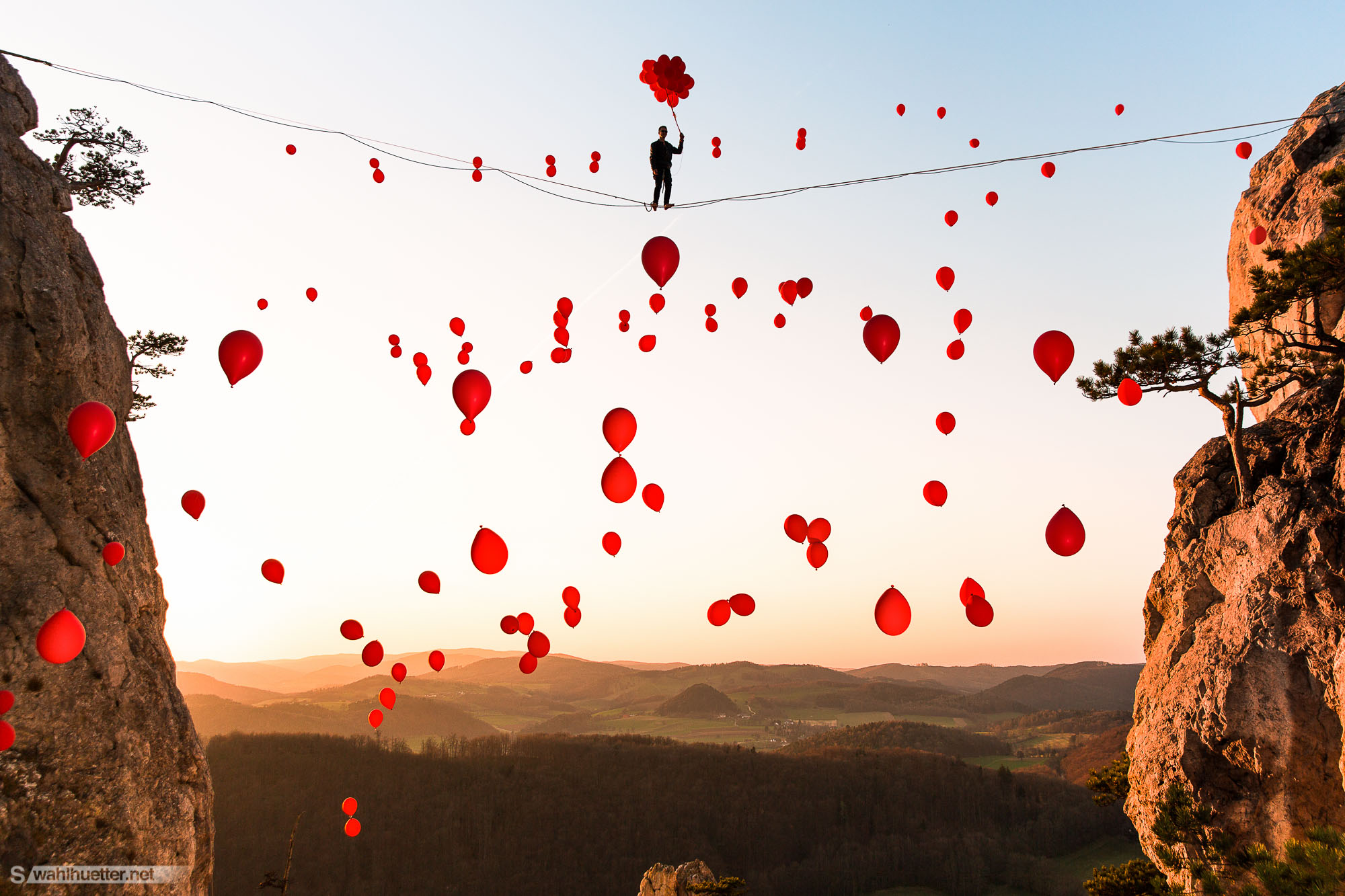The Story Of 99 Red Balloons Floating Towards Horizon Performed By Band Nena Was Originally Inspired Raising Over Berlin Wall