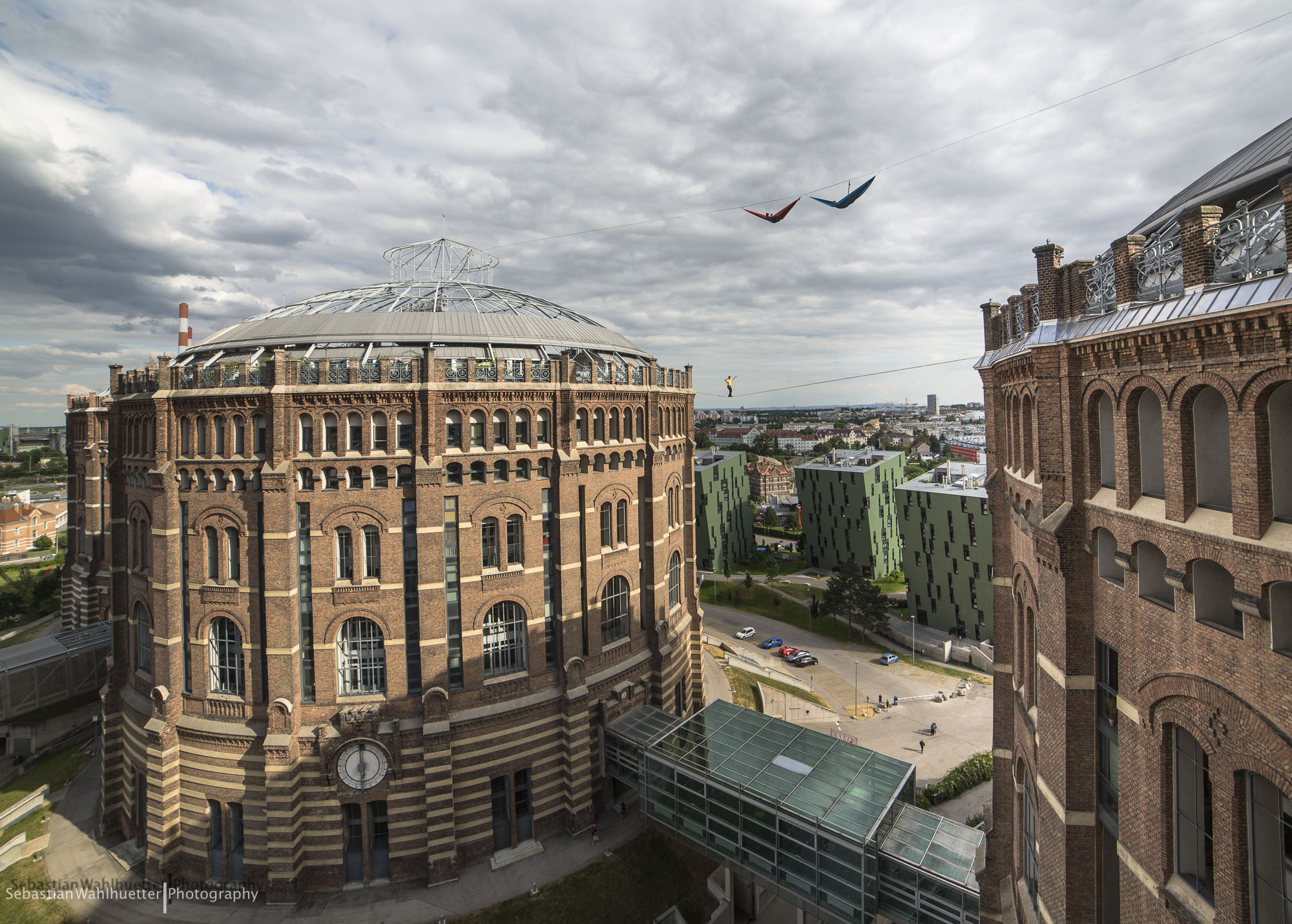 Highline Gasometer | Wahlhuetter Sebastian Photography | contact
